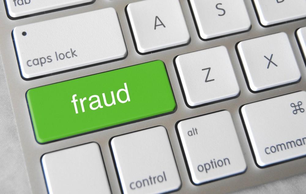 IRIS setzt künstliche Intelligenz ein, um bei Zahlungstransaktionen abweichende Muster zu erkennen, die auf Betrug hindeuten.