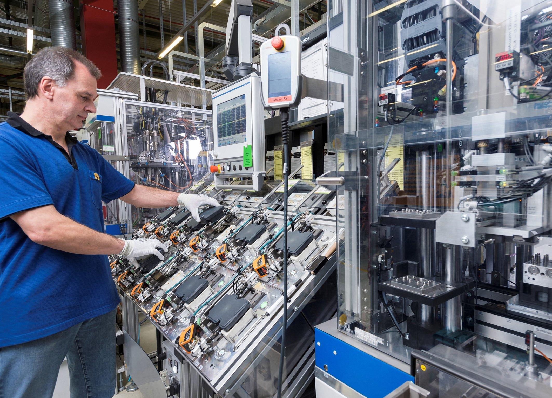 Auch die ESP-Fertigung bei Bosch könnte von der neuen Entwicklungsplattform profitieren. Foto: Bosch