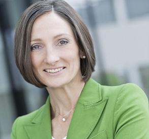 """Susan Volkmann verantwortet seit Februar 2015 als Executive Direktor die IBM/SAP Cloud Partnerschaft in Europa. """"Deutschland ist ein Schwergewicht im SAP Markt. Unsere strategische Partnerschaft für SAP HANA Enterprise Cloud (HEC) wird auch bei uns den Markt bewegen."""""""