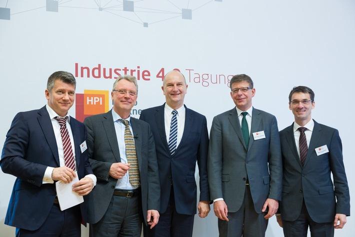 industrie-4-0-wirtschaftsministerium-fordert-investitionsschub-von-10-milliarden-euro-pro-jahr-in-br